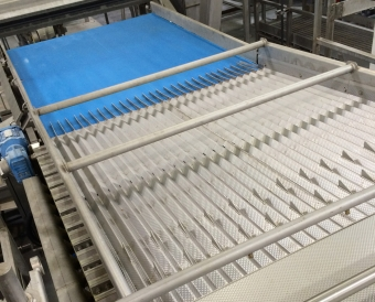 Feed products lengthwise into sorter